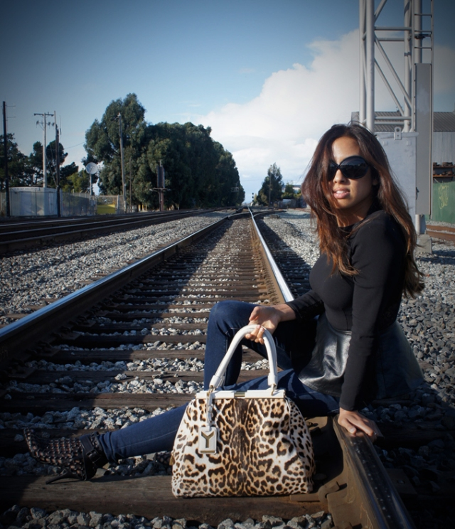 Fashion along the tracks